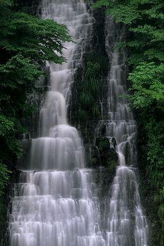 Oisirazu Falls at Akita, Japan - photo by Sky-Genta, via Flickr