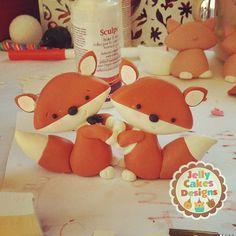 Work-in-progress~wedding foxes #foxcake...