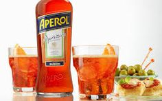 aperol spritz Italian Cocktails, All About Italy, Aperol, Long Drink, Great Recipes, Food, Summer, Image, Summer Time