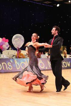 🎁 FREE SHIPPING 🚚 🛒 Order on the website www.ddressing.com - - - #dressforsale #latindress #latindressesforsale #dancewear Ballroom Dresses For Sale, Dance Costumes, Dance Wear, Rose Gold, Concert, 3d, Free Shipping, Website, Beautiful