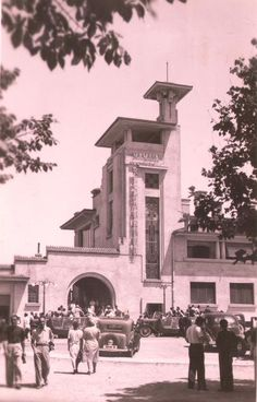 Mamaia - Cazinoul (inaugurare) - 1935 Old Photos, Vintage Photos, Old Town, Inventions, Dan, Buildings, Photoshop, Memories, Pictures