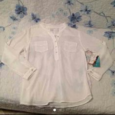 Nwt shirt Cute Tops