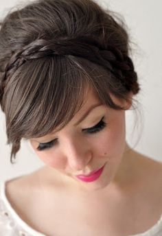If you aren't familiar with the idea of second day hair, it's the day AFTER washing your hair hair. I have never been the wash my hair daily type because my hair is thick and coarse and… My Hairstyle, Hairstyles With Bangs, Pretty Hairstyles, Girl Hairstyles, Hairstyle Ideas, Hair Updo, Headband Hairstyles, Bridal Hairstyles, Bridesmaid Hairstyles