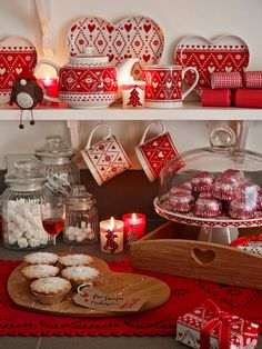 Prepare Your House For Christmas With Amazing Decorations!