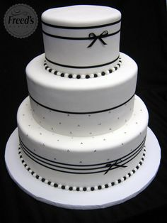 20111202Small elegant wedding cakeJPG Wedding Ideas Pinterest