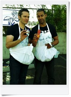 Seamus Dever and Jon Huertas volunteering to help feed the homeless. Love these guys! Castle Series, Castle Tv Shows, Watch Castle, Seamus Dever, Richard Castle, Castle Beckett, Stana Katic, Best Shows Ever, Best Tv