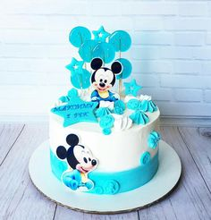 Bolo Mickey Baby, Mickey Mouse Birthday Cake, Mickey Cakes, Mickey Party, Birthday Cake Decorating, Cake Decorating Tips, Flower Cupcakes, Cakes For Boys, Cute Cakes