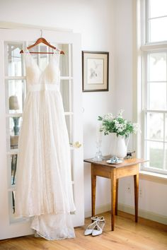 Featured on Style Me Pretty Photography: Ashley Largesse Photography Floral Design: Petals  Fair Trade Wedding Dress: Celia Grace Wedding Dresses  Makeup: Jennifer Perellie Make Up  Hair: Finishing Touch  Venue: Apple Hill Inn  Jewelry: Edera Jewelry