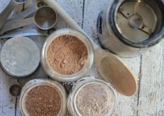 Learn how to create a healthy DIY organic facial powder recipe...with only 5 ingredients! This is a perfect compliment to Scratch Mommy's DIY organic face foundation.