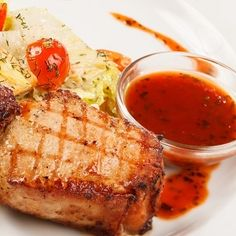 Μπριζόλα με μπαχαρικά και σάλτσα τσιμιτσούρι | Shape.gr