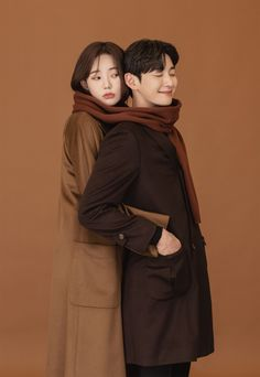 Pre Wedding Poses, Pre Wedding Photoshoot, Portrait Photography Poses, Photo Poses, Couple Posing, Couple Shoot, Korean Couple Photoshoot, Korean Wedding Photography, Cute Love Pictures