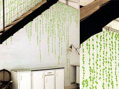 ドメスティック社のウォールステッカー♪色違いで白もあります。家の壁に貼りたいのだけどイマイチ勇気がわきません