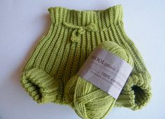 Ravelry: Wool Soaker pattern by Jenny King Crochet Baby Clothes, Newborn Crochet, Crochet Baby Hats, Booties Crochet, Diaper Cover Pattern, Cloth Diaper Pattern, Baby Knitting Patterns, Baby Patterns, Couches