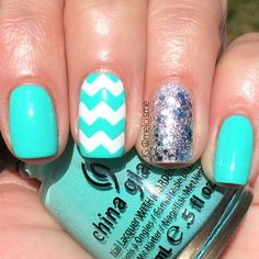 Chevron nails using China Glaze 'Too Yacht to Handle'