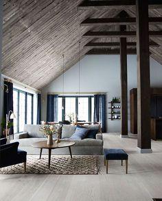 #livinroom #interior #interiordesign #ceiling #coffeetable #homedecor #リビングルーム #インテリア #家具 #天井 #コーヒーテーブル