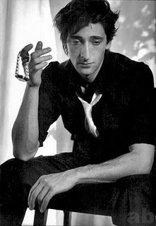 Adrien Brody: Not classically handsome, but sexy as hell. Style Geek, Beautiful Men, Beautiful People, Fire And Desire, Adrien Brody, Hommes Sexy, Thing 1, Raining Men, Man Photo