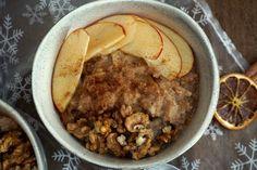 Apfelstrudel-Porridge! Den Apfelstrudel in die Schüssel gepackt!