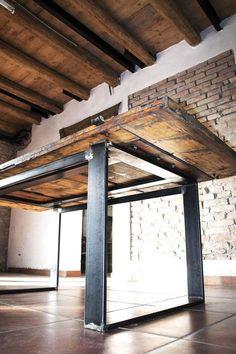 Tavolo realizzato a mano stile industriale rustico legno