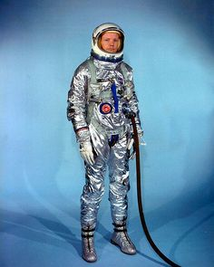Dead at 82, Neil Armstrong