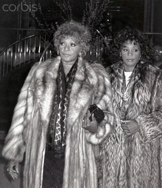 01 Feb 1989, New York State, USA --- Whitney Houston with her mom Cissy Houston leaving the Parker Neridan Hotel in New York City. 1989