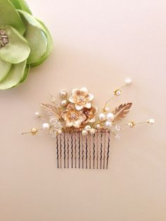 Bridal hair comb fascinator Gold Flowers pearls by amuandpri, $60.00