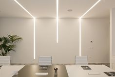 iGuzzini bringing life to some of the world's most acclaimed spaces, through advanced and innovative lighting. Ceiling Light Design, False Ceiling Design, Ceiling Lights, Cove Lighting Ceiling, Linear Lighting, Strip Lighting, Lighting Design, Office Lighting, Interior Lighting