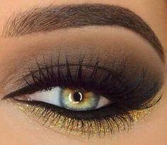 Hermoso maquillage de marron con dorado