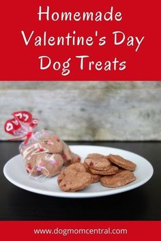 Healthy Dog Treats Easy, four-ingredient Valentine's Day dog treats. A quick and simple recipe dogs will love! Beets give it a pink and red coloring perfect for Valentine's Day. Diy Dog Treats, Homemade Dog Treats, Healthy Dog Treats, Homemade Food, Dog Biscuit Recipes, Dog Treat Recipes, Dog Food Recipes, Cookie Recipes, Valentines Day Dog