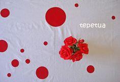 Tischdecke statt Flecken nun mit Tupfen / Tablecloth with fabric spots instead of stains Nun, Napkins, Stains, Tableware, Fabric, Polka Dots, Tejido, Dinnerware, Tela