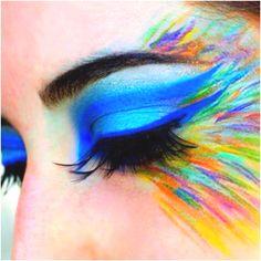 Me encanta... tantos colores que sobresale el estilo de alta costura, me encantaria verlo en la pasarela