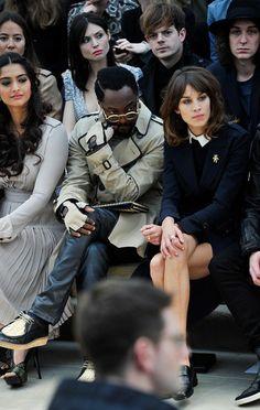 Qui était aux défilés de Londres?  Lana Del Rey, Rosie Huntington-Whiteley, Alexa Chung… Les premiers rangs de la Fashion Week »http://madame.lefigaro.fr/celebrites/qui-etait-defiles-de-londres-230212-218352