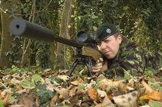 World's longest sniper kill - 2.47km twice! Human Target, Sniper Training, Insurgent, Military History, Long Distance, Heavy Metal, Bullet, World, Snipers