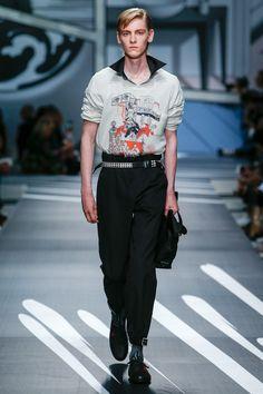 Prada Spring 2018 Menswear Collection Photos - Vogue