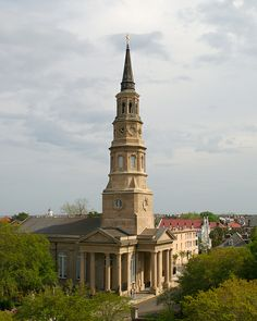 This is St. Philips Church in Charleston. It's Casey's favorite church in Charleston. Just beautiful! Great Places, Places To Go, Beautiful Places, Charleston South Carolina, Charleston Sc, Isle Of Palms, Cathedral Church, Old Churches, Episcopal Church