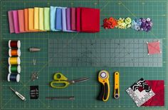 Quilting Tools - The Basic Tools Every Beginning Quilter Needs Beginning quilters usually don't want to invest a lot of money in tools, at least not until they know they'll love to quilt. This list of essential tools will help get you started. Quilting Tools, Quilting Tutorials, Hand Quilting, Machine Quilting, Quilting Ideas, Quilting Projects, Beginner Quilting, Quilting 101, Sewing Tutorials