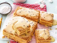 South African Dishes, South African Recipes, Cream Crackers, Cold Lunches, Best Carrot Cake, Pudding Cake, Bakery Cakes, Sweet Tarts, How Sweet Eats