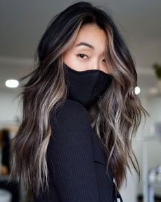 Black Hair with Brown and Blonde Balayage Caramel Blonde Hair, White Blonde Hair, Brown Hair Balayage, Black Balayage, Brown Dark Hair, Balayage Hair For Brunettes, Black Hair Blonde Streak, Brownish Blonde Hair Color, Black To Brown Ombre Hair