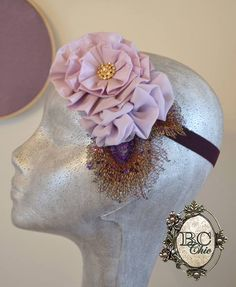 Headband in purple tones / Bandita en tonos morados.