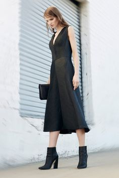 BCBG Max Azria Pre-Fall 2014 Collection Slideshow on Style.com