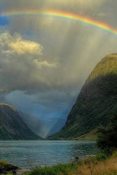 As The clouds rolled by, the blue sky began to peer through. The heavens opened up and a miracle came from the sky. Love Rainbow, Over The Rainbow, Rainbow Photo, Clouds Draw, All Nature, Amazing Nature, Beautiful World, Beautiful Places, Gods Promises