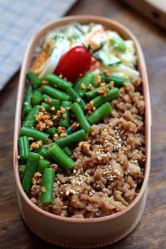 日本人のごはん/お弁当 Japanese meals/Bento b140730_1.jpg