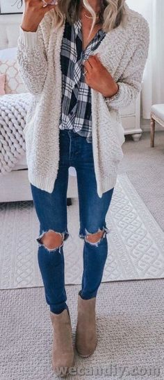 35 Cute Cardigan Outfits to Wear This Season - ClassyStylee Winter Skinny Jeans Outfits, Casual Fall Outfits, Fall Winter Outfits, Autumn Winter Fashion, Winter Style, Cute Cardigan Outfits, Cute Outfits, Flannel Outfits, Cardigan Sweaters