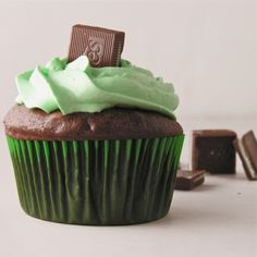 Chocolate Mint Cupcakes....Recipe here:  http://easybaked.net/2012/06/21/grasshopper-mint-cupcakes/