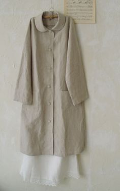 Light coat pattern with no lining. You can wear this in spring, like dress coat. Easy to make. Beautiful Outfits, Cool Outfits, Fashion Outfits, Sewing Clothes, Diy Clothes, Muslim Women Fashion, Fashion Project, Linen Blouse, Coat Patterns
