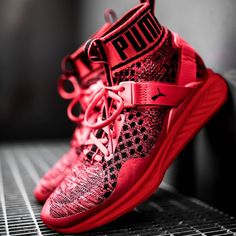 SPORTSWEAR ™®: Sneakers: Puma Ignite Evoknit 'Red/Black' .