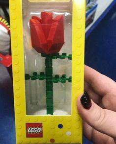 """2,317 Likes, 59 Comments - Emily (@londondisney) on Instagram: """"Beauty and the beast enchanted rose lego! • Photo credit @tsumtsumlondon #lego #disneylego…"""""""
