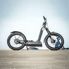 A-Ride is an all-terrain, dual-suspension electric stand-up bike that enables you to experience another way to ride. Triumph Motorcycles, Custom Motorcycles, Best Electric Scooter, Dirt Bike Girl, Swag Outfits Men, E Scooter, Dirtbikes, Biker Chick, Bike Accessories