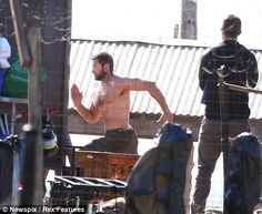 Just in case you were wondering. Comic Book Movie has a few more shots from on set of The Wolverine. Wolverine 2009, The New Wolverine, Logan Wolverine, Two Movies, Movie Tv, Comic Book Girl, Australian Actors, Movie Magazine