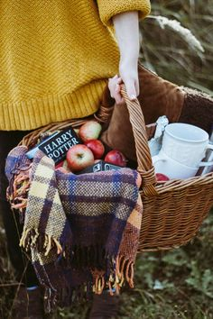 .i love this picture because of the blanket, basket and jumper give the feeling of a warmish autumn day. warm enough to sit and have picnic and not get a soggy bottom.x