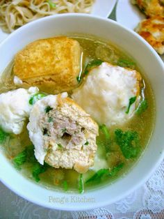 It is always very comforting to enjoy a hearty and warm soup during chilling weather :) This stuffed tofu soup can be served on its own as . Chinese Soup Recipes, Tofu Recipes, Asian Recipes, Cooking Recipes, Ethnic Recipes, Tofu Dishes, Vegan Dishes, Tofu Soup, Chicken Soup